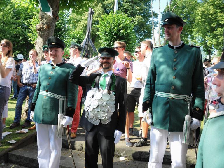 Montag_Olper_Schuetzenfest_2016_006401