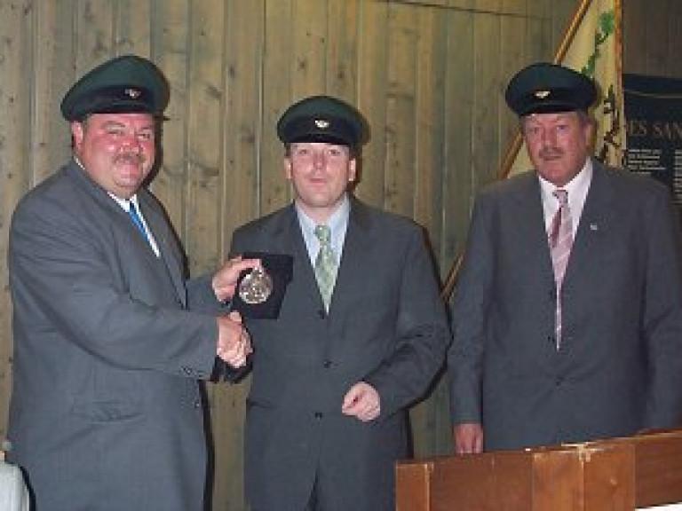 Ordensübergabe 2000 - Major Paul Imhäuser, Schützenkönig Dr. Burkhard Ledig & Hauptmann Theo Süttmann
