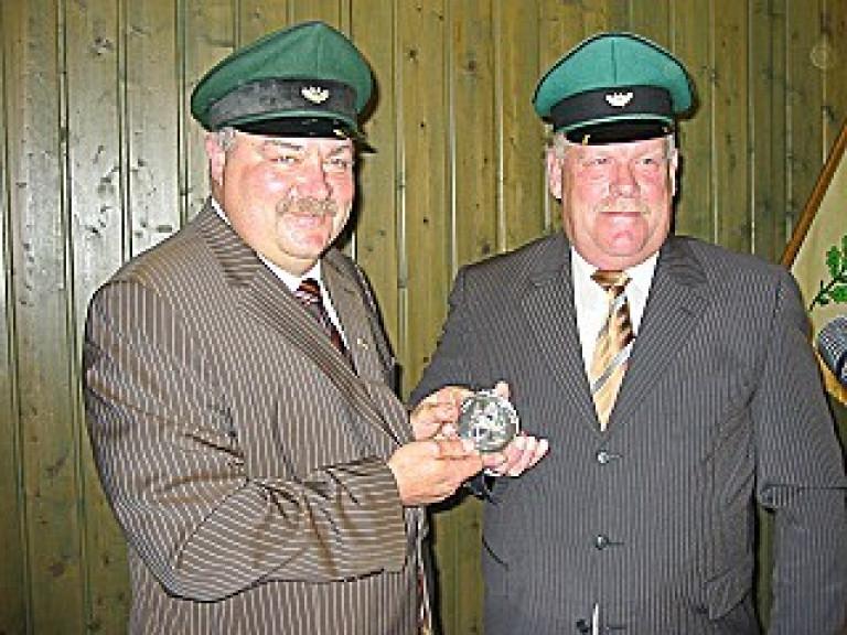 Ordensübergabe 2005 - Major Paul Imhäuser & Schützenkönig Martin Valpertz