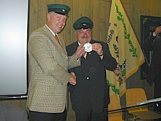 Ordensübergabe 2003 - Schützenkönig Rüdiger Vitt & Major Paul Imhäuser