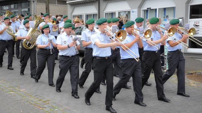 Olper Schuetzenfest - Bundeswehr