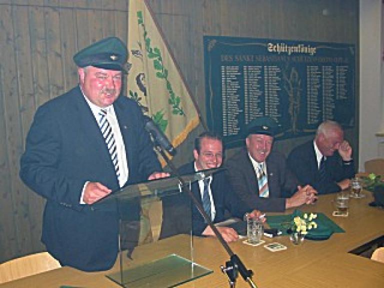 Ordensübergabe 2004 - Major Paul Imhäuser