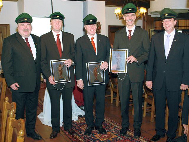 (v.L.) Major Paul Imhäuser, ehem. Lt. Joachim Sondermann, ehem. Olt. Heribert Wrede, ehem. Lt. Michael Neu, Hauptmann Peter Liese