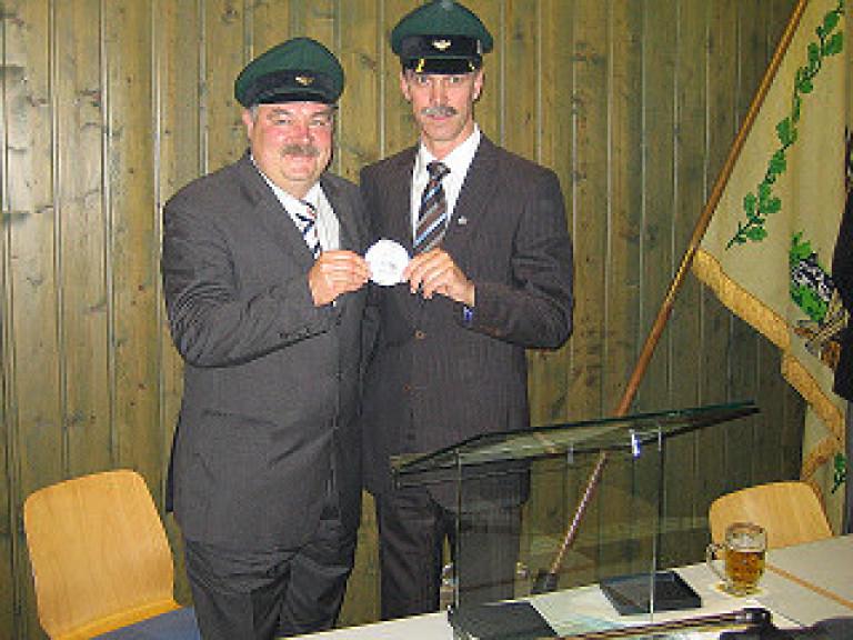 Ordensübergabe 2007 - Major Paul Imhäuser & Schützenkönig Michael Neu